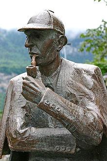 220px-Sherlock_Holmes_statue_at_Meiringen1.jpg