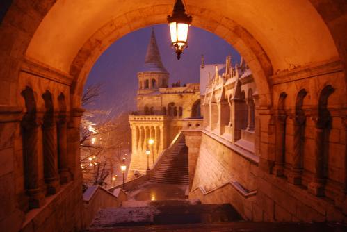 OLTRE L'ORIZZONTE: BUDAPEST - Il Bastione dei Pescatori - Scalinata